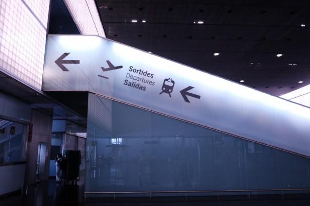 バルセロナ空港・第一ターミナルから列車の接続部分のエレベーター