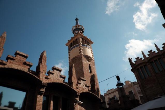 カイシャ・フォルム・バルセロナ。2Fギャラリーエリアのパティオから見上げる。