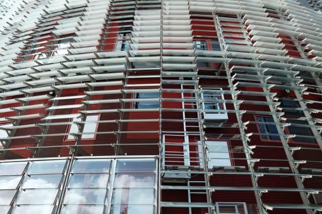 アグバータワー(アグバールタワー)外壁とルーバーのディティール