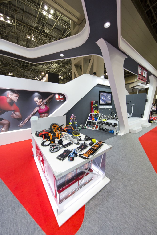 "Exhibition Booth Design Japan : Sportec ""body sculpture booth designcafe™|空間デザイン"