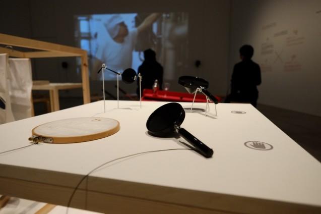「フィックスパーツ」参加作家:aomo、アトリエ ホコ、長坂 常、菱川勢一、クビーナ、サラン・イェン・パニヤ 2012年-