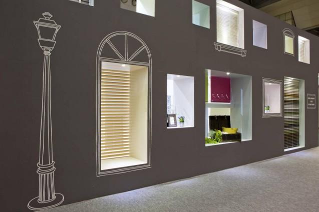 JAPANTEXに出展したウインドウ・プロダクトメーカー、TOSO社の展示ブース