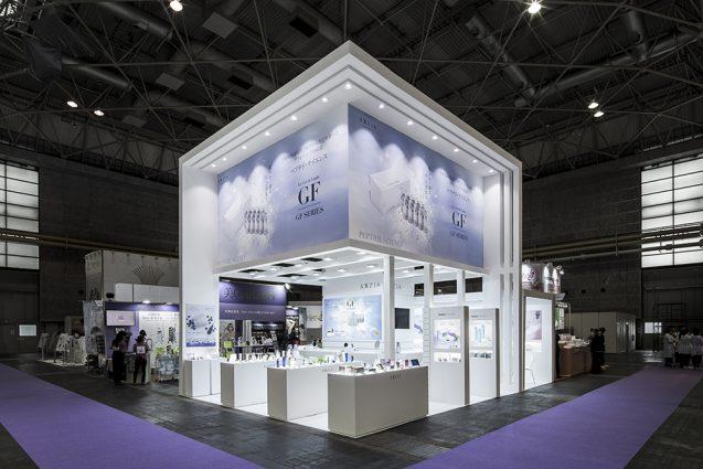 展示会デザイン、展示会装飾の事例|ビューティーワールドウェスト2018 アクシージア_ブース_2018 (17)