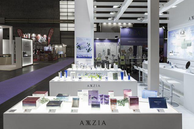 展示会デザイン、展示会装飾の事例|ビューティーワールドウェスト2018 アクシージア_ブース_2018 (11)