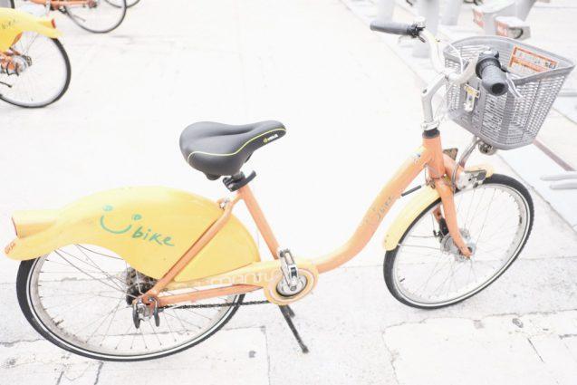 淡水駅前で借りたレンタサイクル。変速機付きで見た目よりは快適。笑