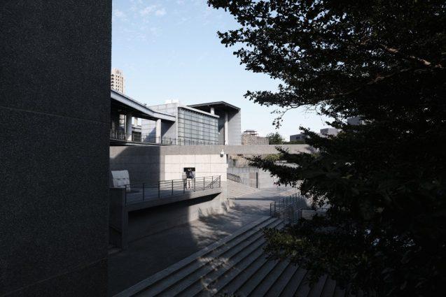 国立台湾美術館。アネックス側を眺める