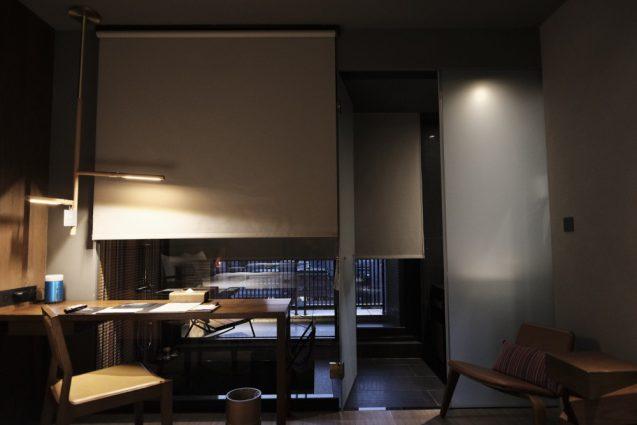 ホームホテル大安 Home Hotel DaAn ダブルベッドルームのデスクスペースの設え