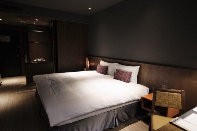 ホームホテル大安 Home Hotel DaAn ダブルベッドルームの室内。別アングル。