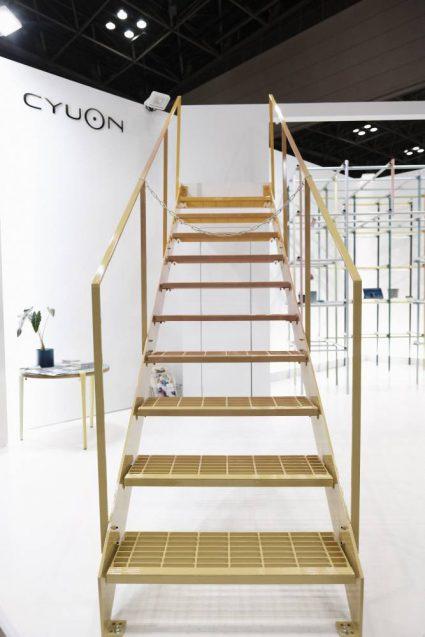 JAPANSHOP 2019 CYUONブース。メイン展示の階段。