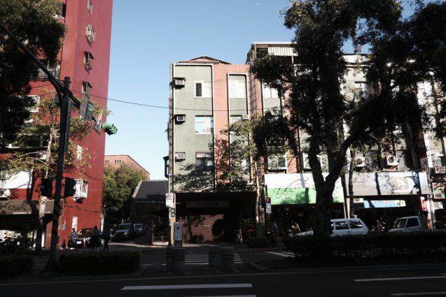 台北市内の街並み。通化街付近