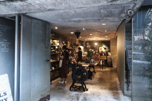 台北ではとても有名な文房具屋、禮拜文房具。