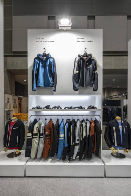 東京モーターサイクルショー2019 HYOD ヒョウドウプロダクツ 展示会ブース。365シリーズの全ラインナップ。