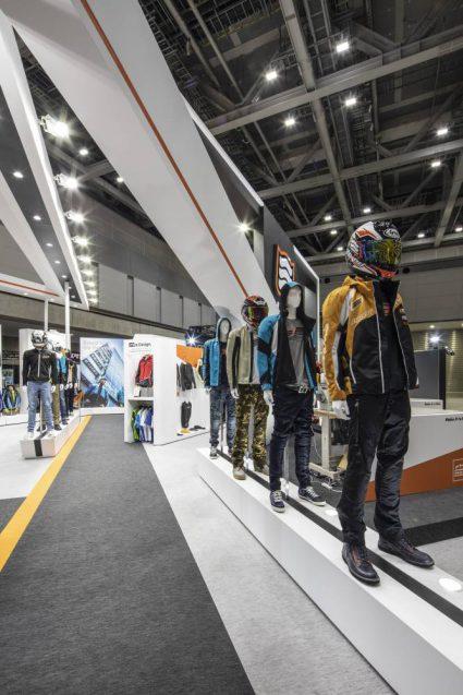 東京モーターサイクルショー2019 HYOD ヒョウドウプロダクツ 展示会ブース。コーディネート展示エリア