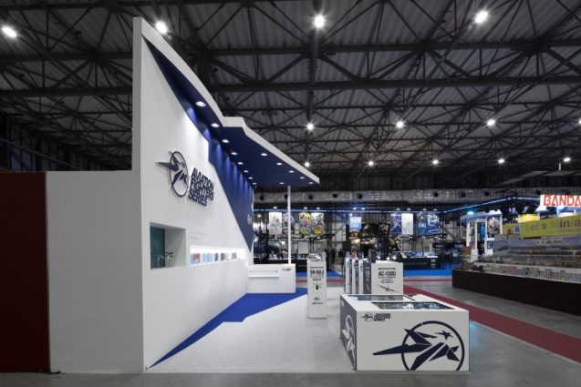 展示会ブースデザインと装飾の実例-全日本模型ホビーショーAVIATION FIGHTERS Booth 会場の様子 (6)