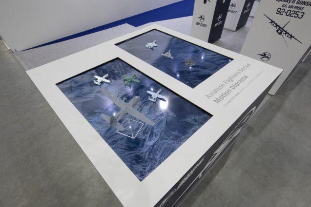 展示会ブースデザインと装飾の実例-全日本模型ホビーショーAVIATION FIGHTERS Booth 会場の様子 (5)