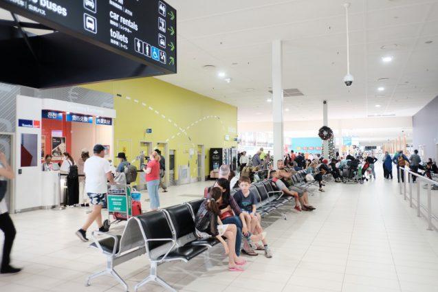 ゴールドコースト国際空港。明るい開放的な空港