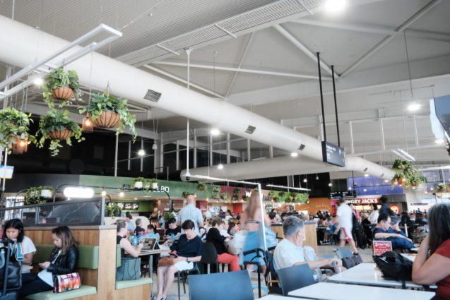 ゴールドコースト国際空港のイートインスペース