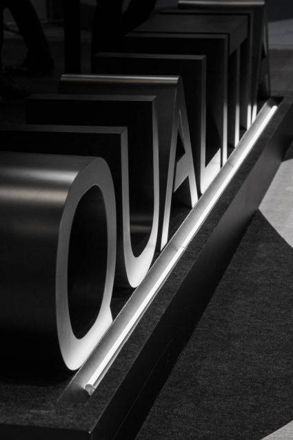 Japan IT-Week 2020 関西 QUALITIA booth ステージ上のチャネルサイン