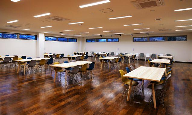 アクティビティーベースドワーキングを念頭においた、ハートランドデーター本社ソフトウェアセンター1階ワークラウンジ (4)