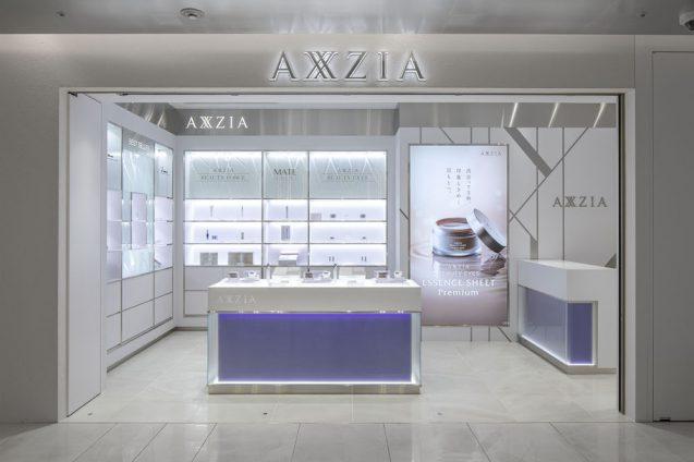 アクシージア ギンザシックス店の店舗デザイン。店舗ファサード正面